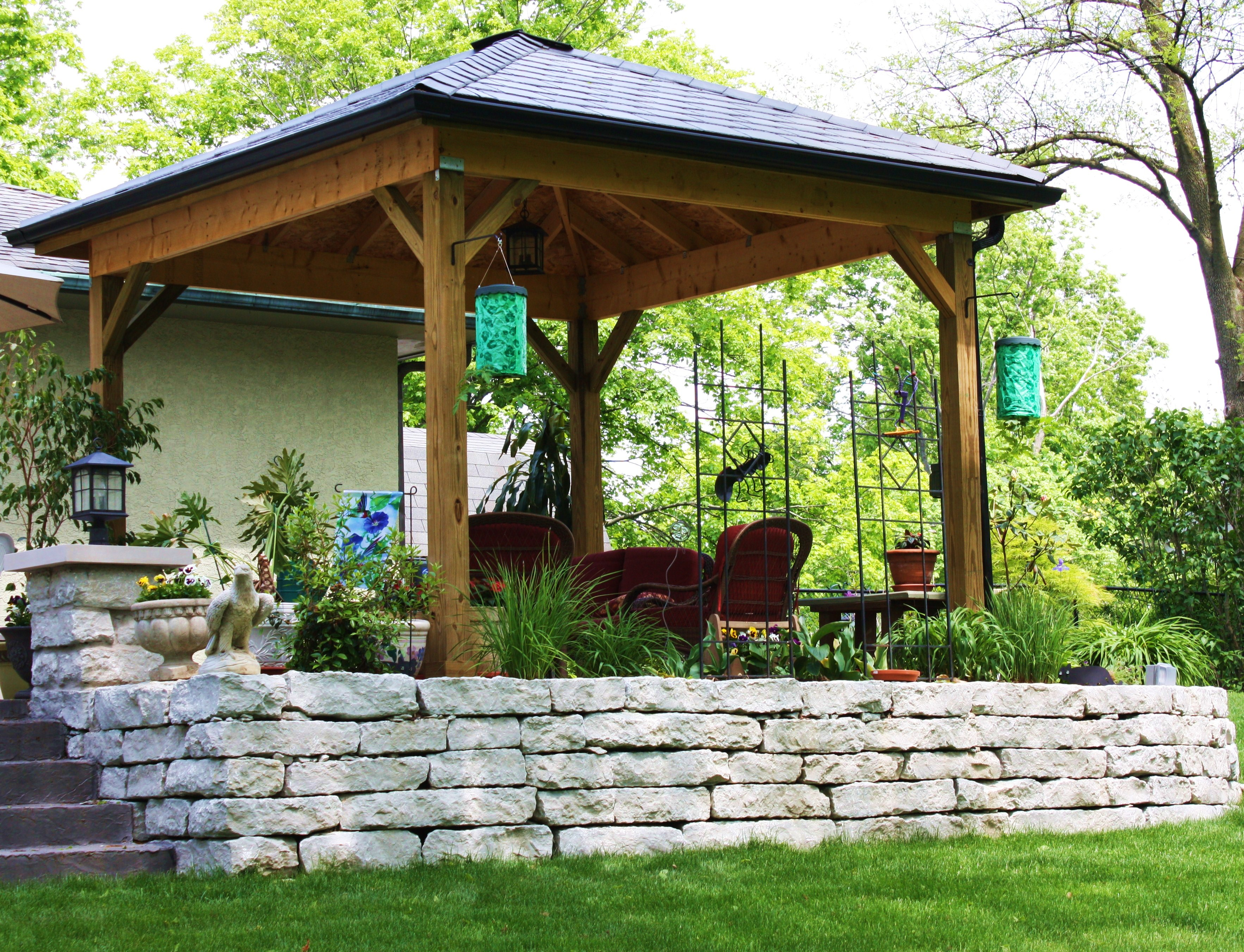Outdoor Living Space with Retaining Wall